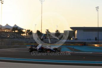 World © Octane Photographic Ltd. Formula 1 –  Abu Dhabi GP - Practice 2. Scuderia Toro Rosso STR13 – Brendon Hartley. Yas Marina Circuit, Abu Dhabi. Friday 23rd November 2018.