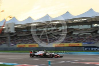 World © Octane Photographic Ltd. Formula 1 – Abu Dhabi GP - Qualifying. Haas F1 Team VF-18 – Kevin Magnussen. Yas Marina Circuit, Abu Dhabi. Saturday 24th November 2018.