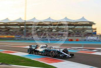 World © Octane Photographic Ltd. Formula 1 –  Abu Dhabi GP - Qualifying. Mercedes AMG Petronas Motorsport AMG F1 W09 EQ Power+ - Lewis Hamilton. Yas Marina Circuit, Abu Dhabi. Saturday 24th November 2018.