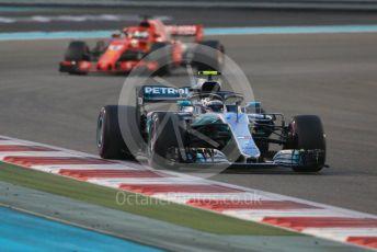 World © Octane Photographic Ltd. Formula 1 –  Abu Dhabi GP - Race. Mercedes AMG Petronas Motorsport AMG F1 W09 EQ Power+ - Valtteri Bottas and Scuderia Ferrari SF71-H – Sebastian Vettel. Yas Marina Circuit, Abu Dhabi. Sunday 25th November 2018.