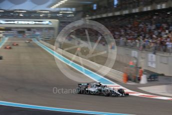 World © Octane Photographic Ltd. Formula 1 –  Abu Dhabi GP - Race. Mercedes AMG Petronas Motorsport AMG F1 W09 EQ Power+ - Lewis Hamilton. Yas Marina Circuit, Abu Dhabi. Sunday 25th November 2018.