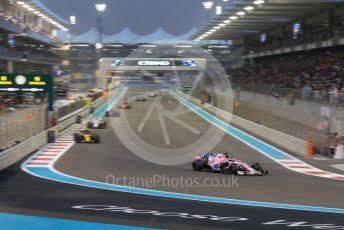 World © Octane Photographic Ltd. Formula 1 –  Abu Dhabi GP - Race. Racing Point Force India VJM11 - Sergio Perez. Yas Marina Circuit, Abu Dhabi. Sunday 25th November 2018.