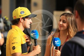 World © Octane Photographic Ltd. Formula 1 –  Abu Dhabi GP - Paddock. Renault Sport F1 Team RS18 – Carlos Sainz. Yas Marina Circuit, Abu Dhabi. Sunday 25th November 2018.