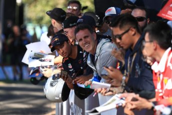 World © Octane Photographic Ltd. Formula 1 – Australian GP - Friday Melbourne Walk. Fans waiting for the drivers. Albert Park, Melbourne, Australia. Friday 23rd March 2018.
