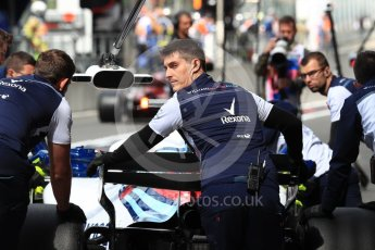 World © Octane Photographic Ltd. Formula 1 – Belgian GP - Practice 3. Williams Martini Racing FW41 mechanics. Spa-Francorchamps, Belgium. Saturday 25th August 2018.
