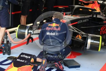 World © Octane Photographic Ltd. Formula 1 – Belgian GP - Practice 3. Aston Martin Red Bull Racing TAG Heuer RB14 mechanics. Spa-Francorchamps, Belgium. Saturday 25th August 2018.