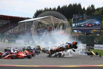 World © Octane Photographic Ltd. Formula 1 – Belgian GP - Race. Renault Sport F1 Team RS18 – Nico Hulkenberg locks up and hits McLaren MCL33 – Fernando Alonso causing a crash. Spa-Francorchamps, Belgium. Sunday 26th August 2018.