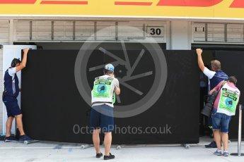 World © Octane Photographic Ltd. Formula 1 – Hungarian Post-Race Test - Day 2. Photographers waiting for Williams Martini Racing FW41 – Robert Kubica. Hungaroring, Budapest, Hungary. Wednesday 1st August 2018.