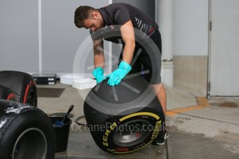 World © Octane Photographic Ltd. Formula 1 – Japanese GP - Paddock. Haas F1 Team VF-18 – Wheel and tyre cleaning after Practice 1. Suzuka Circuit, Japan. Friday 5th October 2018.