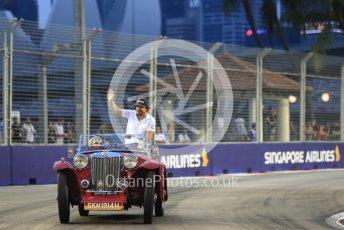 World © Octane Photographic Ltd. Formula 1 – Singapore GP - Drivers Parade. McLaren MCL33 – Fernando Alonso. Marina Bay Street Circuit, Singapore. Sunday 16th September 2018.