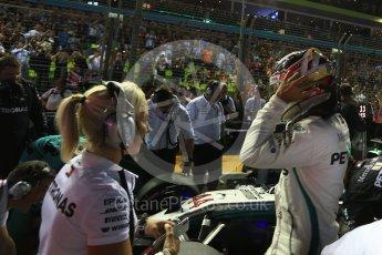 World © Octane Photographic Ltd. Formula 1 – Singapore GP – Drivers Parade. Mercedes AMG Petronas Motorsport AMG F1 W09 EQ Power+ - Lewis Hamilton. Marina Bay Street Circuit, Singapore. Sunday 16th September 2018.