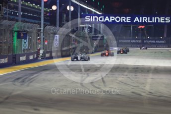 World © Octane Photographic Ltd. Formula 1 – Singapore GP – Race. Mercedes AMG Petronas Motorsport AMG F1 W09 EQ Power+ - Lewis Hamilton. Marina Bay Street Circuit, Singapore. Sunday 16th September 2018.