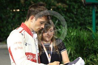 World © Octane Photographic Ltd. Formula 1 – Singapore GP - Qualifying. Alfa Romeo Sauber F1 Team C37 – Charles Leclerc. Marina Bay Street Circuit, Singapore. Saturday 15th September 2018.