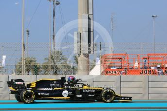 World © Octane Photographic Ltd. Formula 1 – Abu Dhabi GP - Practice 1. Renault Sport F1 Team RS19 – Daniel Ricciardo. Yas Marina Circuit, Abu Dhabi, UAE. Friday 29th November 2019.