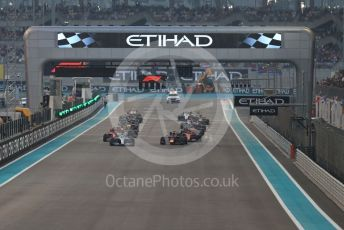 World © Octane Photographic Ltd. Formula 1 – Abu Dhabi GP - Race. Mercedes AMG Petronas Motorsport AMG F1 W10 EQ Power+ - Lewis Hamilton maintains his position as the race starts. Yas Marina Circuit, Abu Dhabi, UAE. Sunday 1st December 2019.