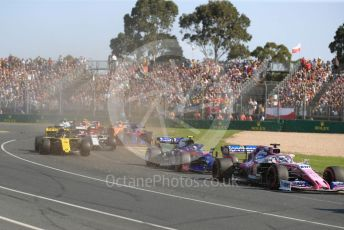 World © Octane Photographic Ltd. Formula 1 – Australian GP Race. Scuderia Toro Rosso STR14 – Daniil Kvyat, SportPesa Racing Point RP19 – Lance Stroll and Renault Sport F1 Team RS19 – Daniel Ricciardo. Melbourne, Australia. Sunday 17th March 2019.