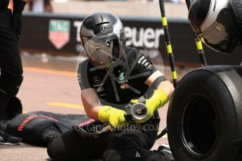 World © Octane Photographic Ltd. Formula 1 – Monaco GP. Practice 3. Mercedes AMG Petronas Motorsport AMG F1 W10 EQ Power+ mechanic. Monte-Carlo, Monaco. Saturday 25th May 2019.