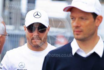 World © Octane Photographic Ltd. Formula 1 – Monaco GP. Paddock. Mercedes AMG Petronas Motorsport AMG F1 W10 EQ Power+ - Valtteri Bottas and Alexander Wurz. Monte-Carlo, Monaco. Sunday 26th May 2019.