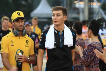 World © Octane Photographic Ltd. Formula 1 – Singapore GP - Drivers Parade. Renault Sport F1 Team RS19 – Daniel Ricciardo and ROKiT Williams Racing FW 42 – George Russell. Marina Bay Street Circuit, Singapore. Sunday 22nd September 2019.