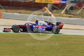 World © Octane Photographic Ltd. Formula 1 – Spanish GP. Practice 2. Scuderia Toro Rosso STR14 – Alexander Albon. Circuit de Barcelona Catalunya, Spain. Friday 10th May 2019.