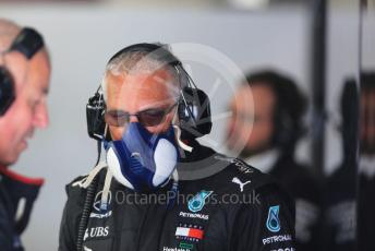World © Octane Photographic Ltd. Formula 1 – F1 Pre-season Test 2 - Day 3. Mercedes AMG Petronas F1 W11 EQ Performance rear jack mechanic with protective face mask. Circuit de Barcelona-Catalunya, Spain. Friday 28th February 2020.