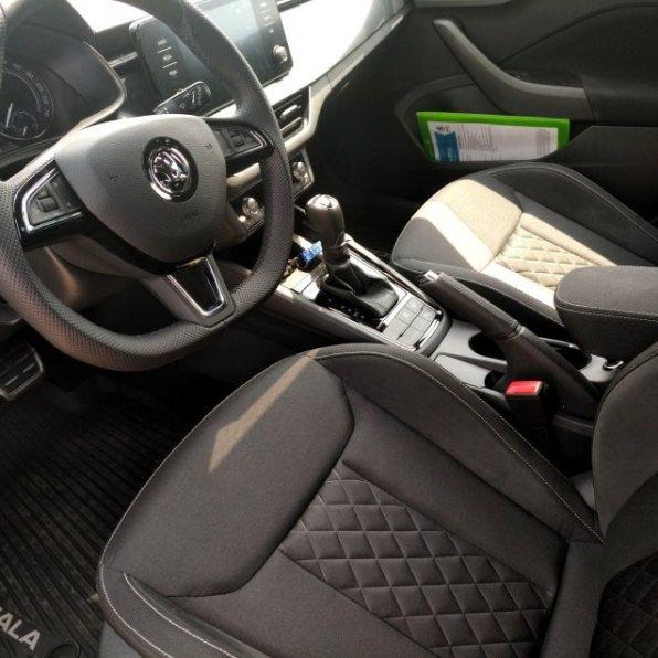 Škoda Scala test recenze sedačky přední řidič