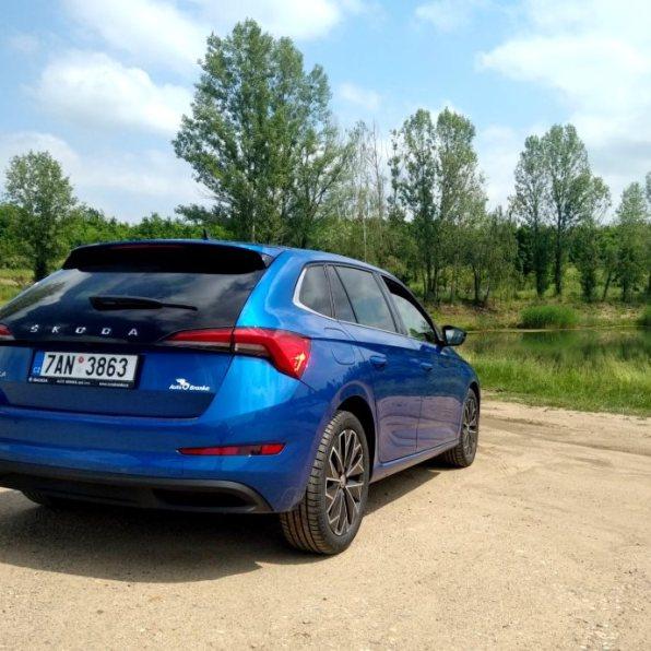 Škoda Scala test recenze zadní část vozu