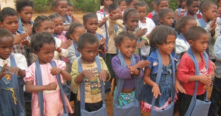 Distribution des kits scolaires