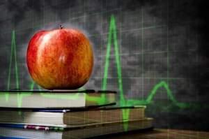 תפוח על ספרים