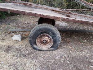 עגלת משא ללא אוויר בגלגל