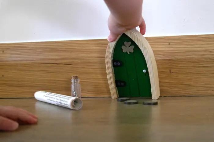 Irish Fair Door Review | Touching The Door http://oddhogg.com