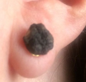 pot hole earring