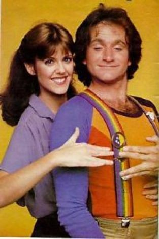 Hoagie Day, Cream Filled Donut Day pam-dawber-and-robin-williams-in-mork-and-mindy