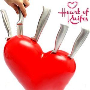 OUTLET-Sydän-Veitsi-Setti-Veitsi-Telineellä-Heart-of-Knifes-Ei-pakkausta-1