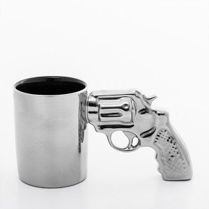 Revolveri-Muki-1