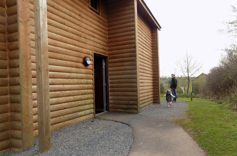 Bluestone Adventures - Lodge Outside