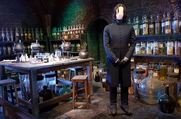 Harry Potter Studio Tour - Snape's Potion Classroom