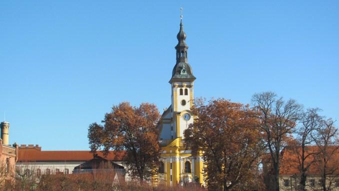Kloster Neuzelle mit ehemaligem Kanzleigebäude