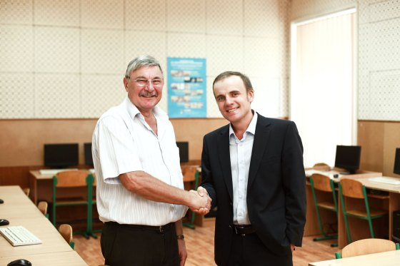 Opera Software Украина помогла Ришельевскому лицею приобрести ноутбуки для реализации проектов международного научного сотрудничества