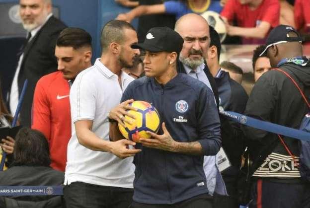 Diretor do Real Madrid afirma que não há interesse em contratar Neymar