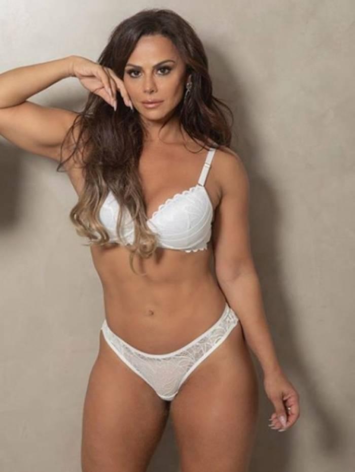 1 vivi5 10734980 - Viviane Araújo arranca suspiros em campanha de lingerie