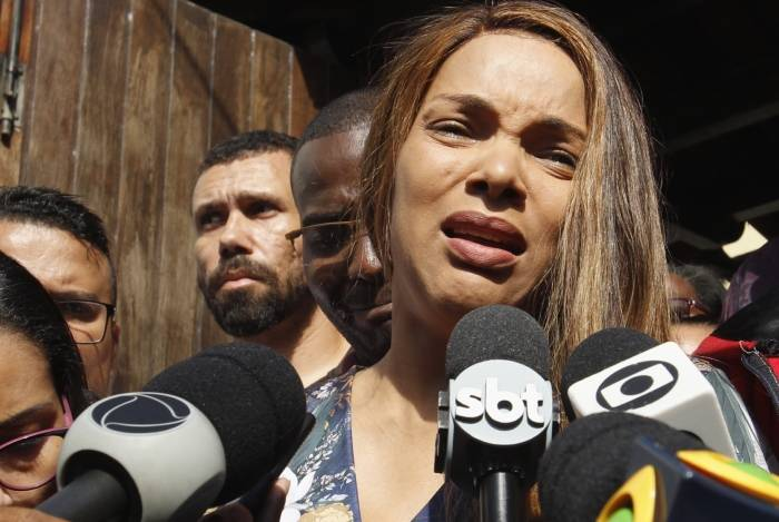 1 160619er012 11591376 - Marido da deputada e cantora gospel Flordelis é velado em igreja de São Gonçalo