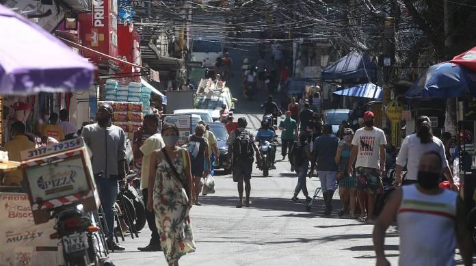 Mais de 85% do comércio no Rio teve piora no faturamento no início ...