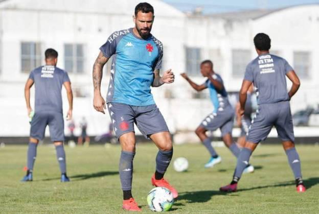Leandro Castan será uma das novidades do Vasco na estreia no Brasileiro