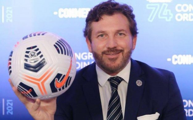 Alejandro Domínguez, presidente da Conmebol, costura um acordo com federações nacionais e Fifa para a retomada nas Eliminatórias a partir de junho