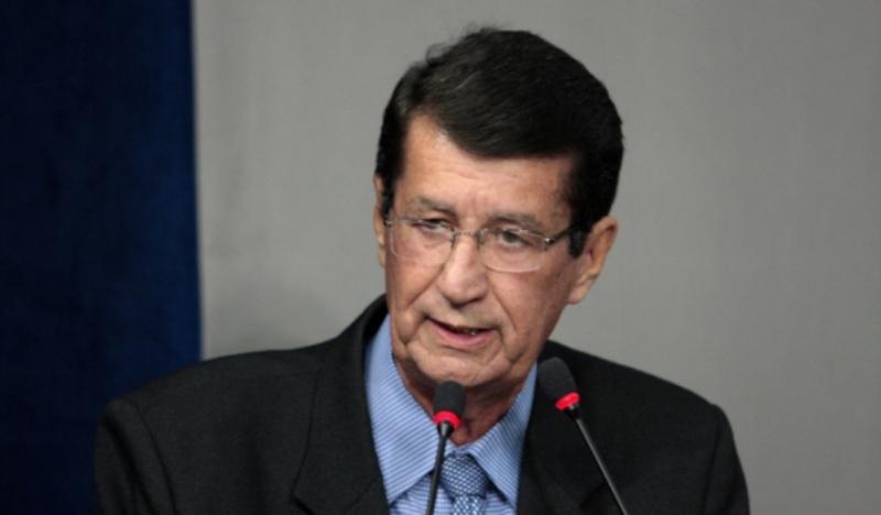 Antônio Holanda propôs a concessão do título e da comenda para Renata Pires Calheiros
