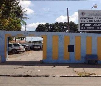 Carro é arrombando e objetos de dentro do veículo são roubados, em Arapiraca