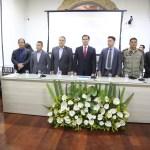 Câmara Municipal: Presidente homenageia delegados e policiais civis por atos heroicos