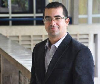 Professor alagoano é o 1º a receber prêmio internacional