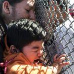 Ao menos 900 crianças imigrantes foram separadas dos pais nos EUA